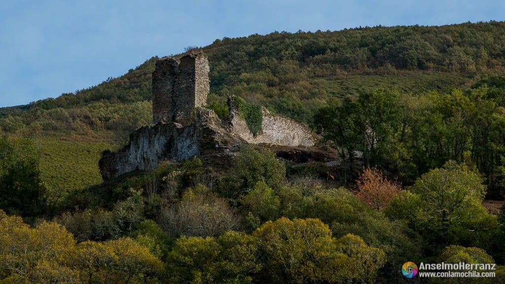Torre y muros del castillo de Balboa
