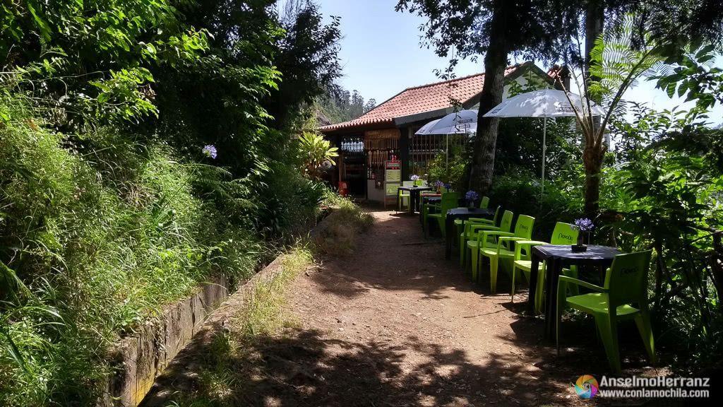 Bar a mitad de camino en la Vereda dos Balcões - Madeira
