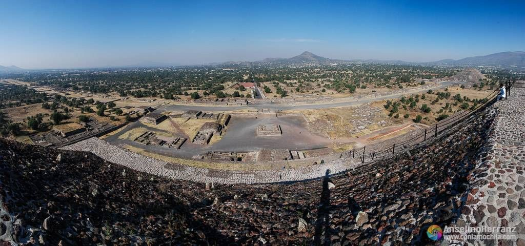 Panoramica desde la pirámide del Sol - Teotihuacán - México