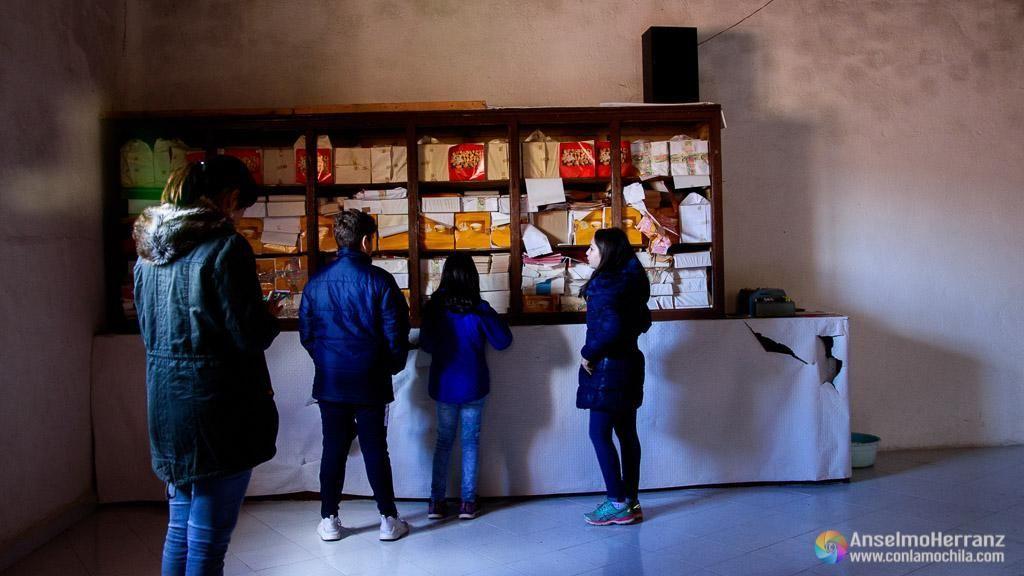 Sala de empaquetado de la antigua fábrica de chocolate de Miguelañez - Segovia