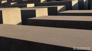 Luces y sobras sobre las estelas del Monumento al Holocausto - Berlin
