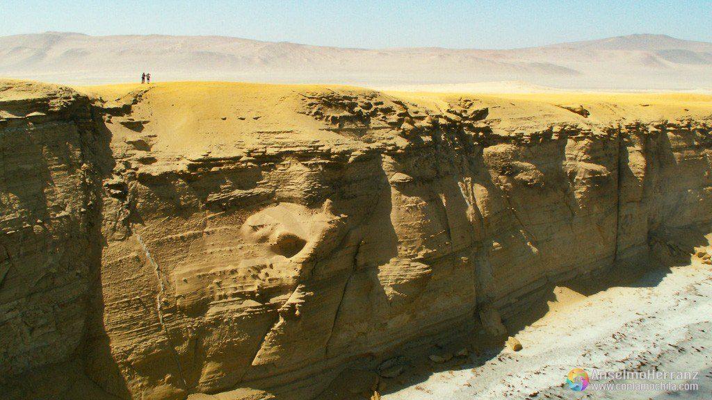 Acantilados de la Península de Paracas - Perú