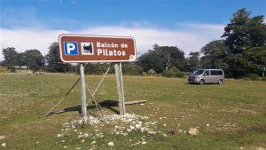 Entrada al Parking del Mirador del Balcón de Pilatos - Sierra de Urbasa - Navarra