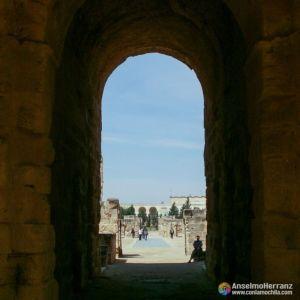 Entrada a la arena del Anfiteatro romano de El Djem - Túnez