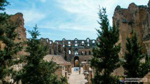 Vistas del anfiteatro de El Djem desde los jardines - Túnez