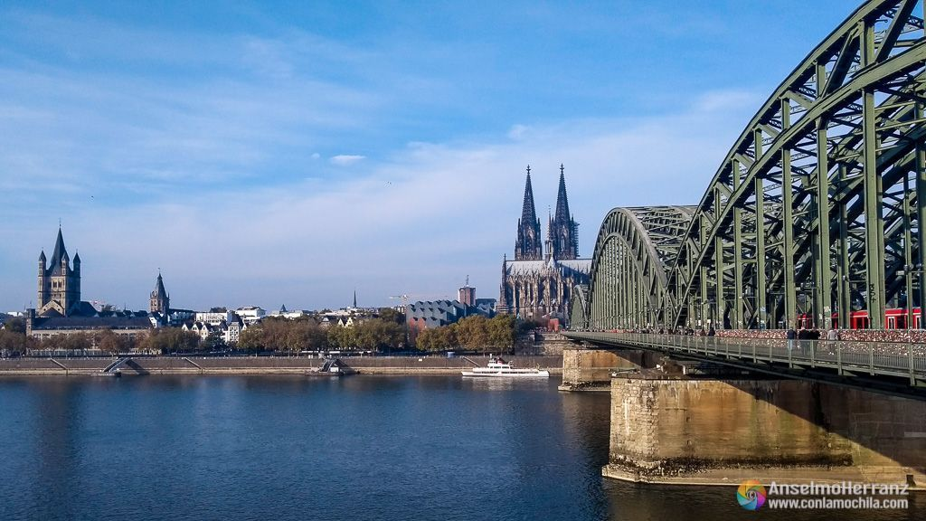 Iglesia de San Martín, Catedral de Colonia y Puente Hohenzollern - Colonia - Alemania