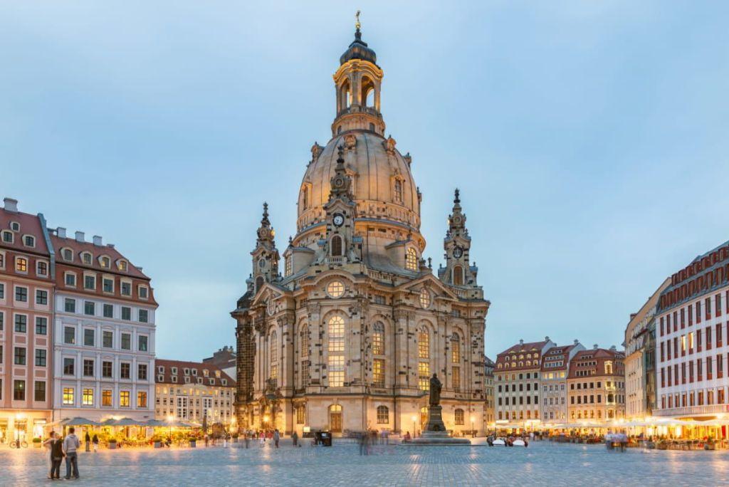 Catedral Hofkirche o catedral de la Santísima Trinidad - Dresden