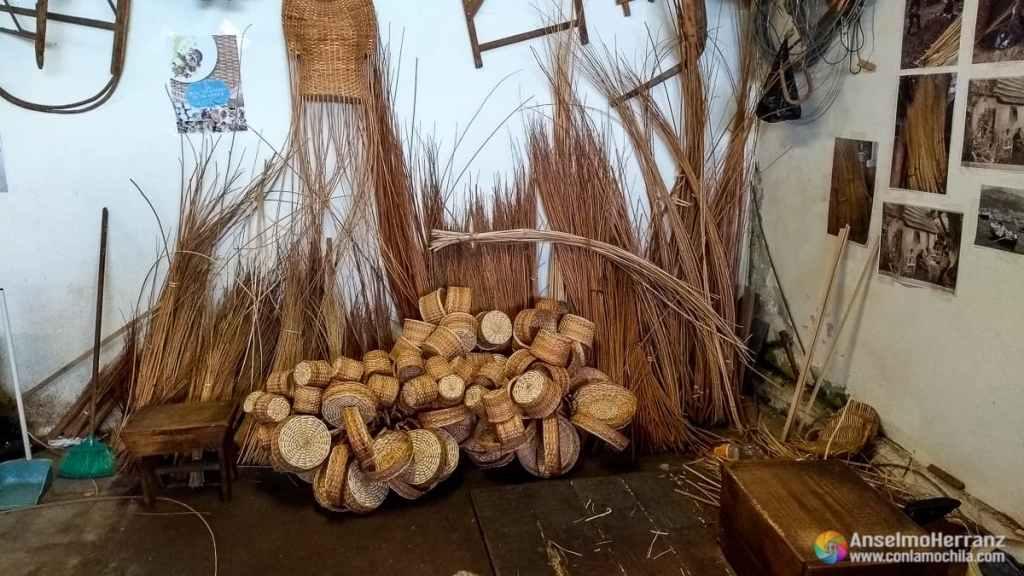 Mimbres y cestos en el museo del Mimbre de Camacha - Madeira - Portugal