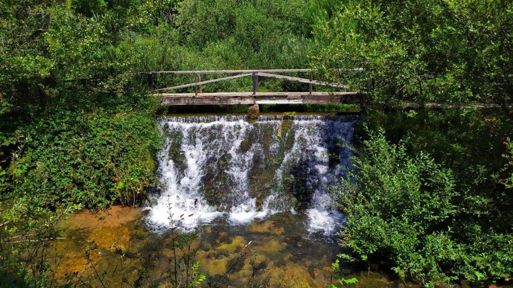 Primer azud del Ebro en la Fuentona de Fontibre - Cantabria