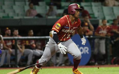 Khalil Lee hit by pitch; Out for the 2019-20 Puerto Rico Winter League season