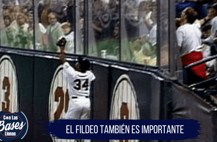 Kirby Puckett se destaca en la defensa en el jardín central