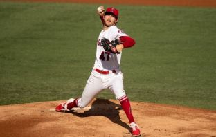 Griffin Canning es lanzador de Los Angeles Angels