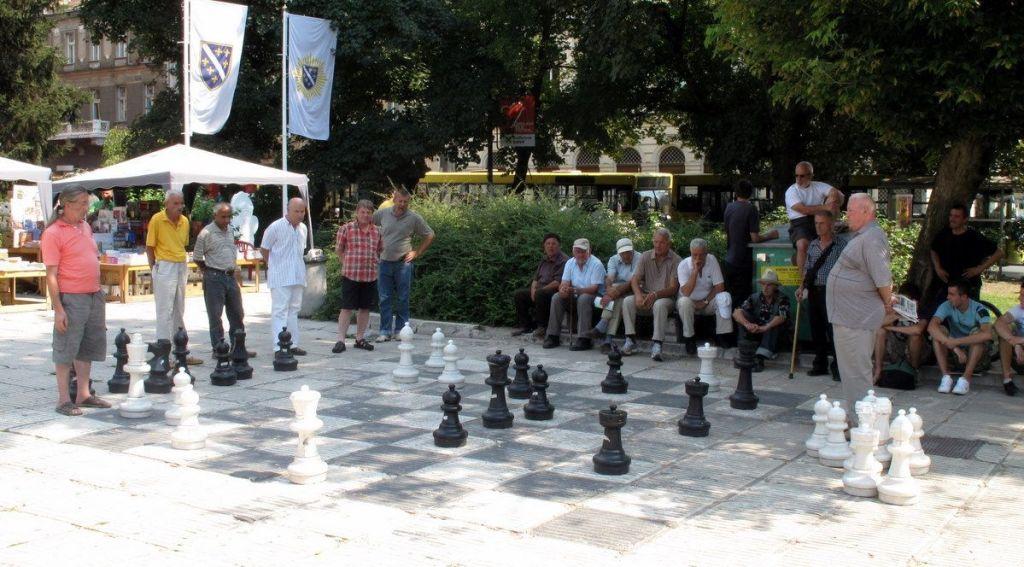Partidita de jubilados en Trg oslobođenja