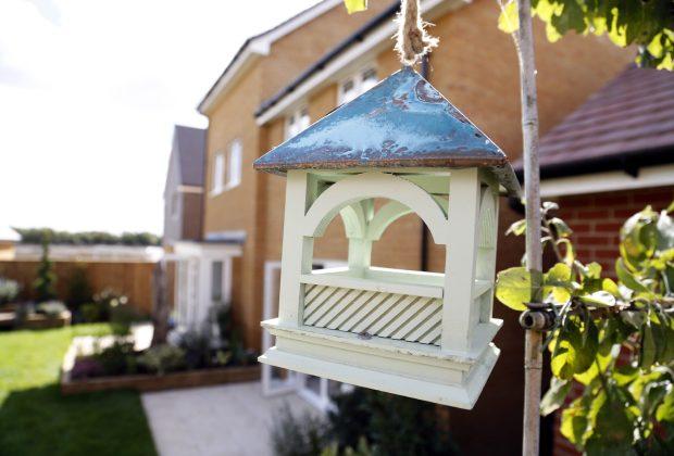 The RSPB Royal Bempton hanging bird table 3-ca4919b2