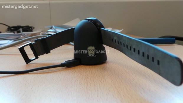 Motorola-Moto-360-charger