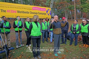 world-mission-society-church-of-god-connecticut-mother's-street-cleanup_8380