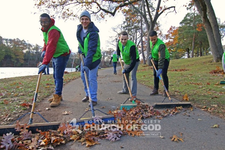 world-mission-society-church-of-god-connecticut-mother's-street-cleanup_8442