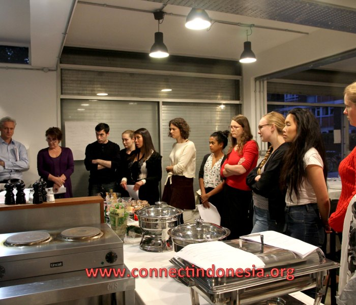 Introducing Indonesian Food to British food lovers to raise money for Syrian Children in refugee camps.