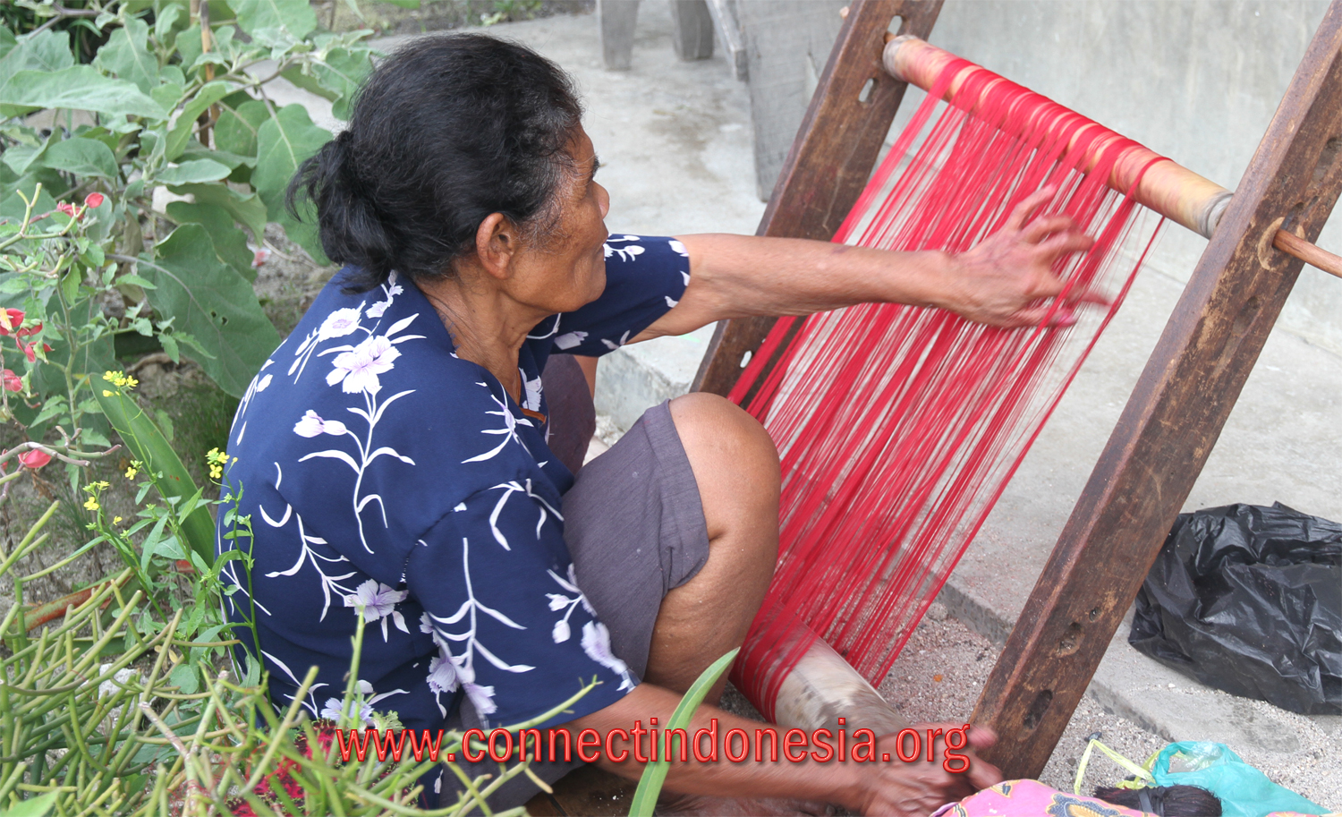 Our Ulos weaving stories from Lake Toba – the region is still actively weaving using back-strap loom.