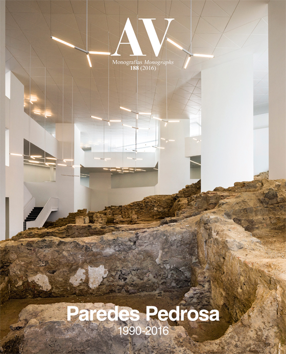 Monográfico dedicado a la obra de Paredes Pedrosa por la revista Arquitectura Viva. Foto: Fernando Alda.