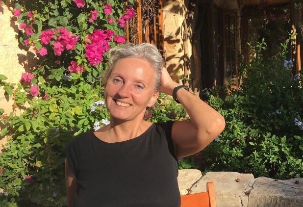 Szilvia Gürtler testimonial photo for Timi Orosz at Connect one marketing