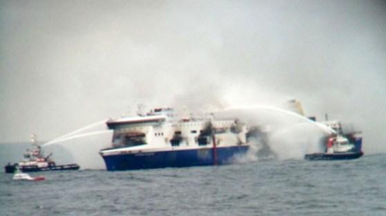 http://mashable.com/2014/12/28/greek-ferry/?utm_cid=hp-hh-pri