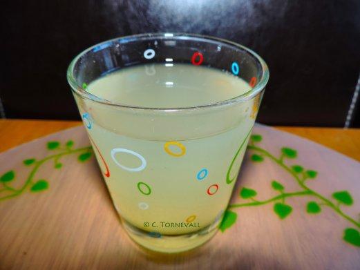Selleridryck selleri citron och ingefära