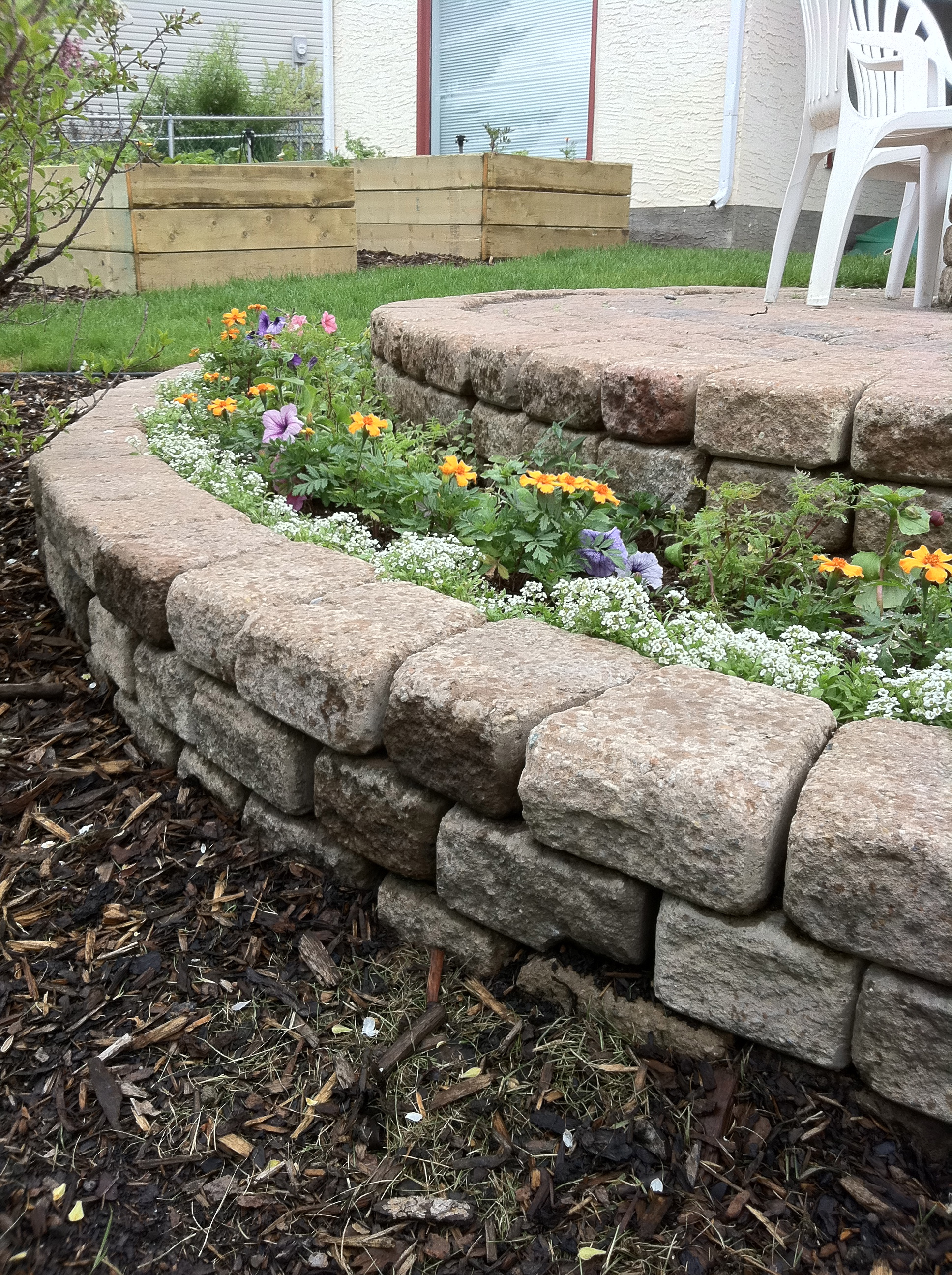 Build A Stacked Stone Flower Bed In A Few Hours Hope For