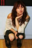 47-img_7582-sarah-crouching