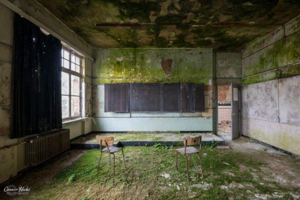 the-green-school-belgium-urbex-green-room