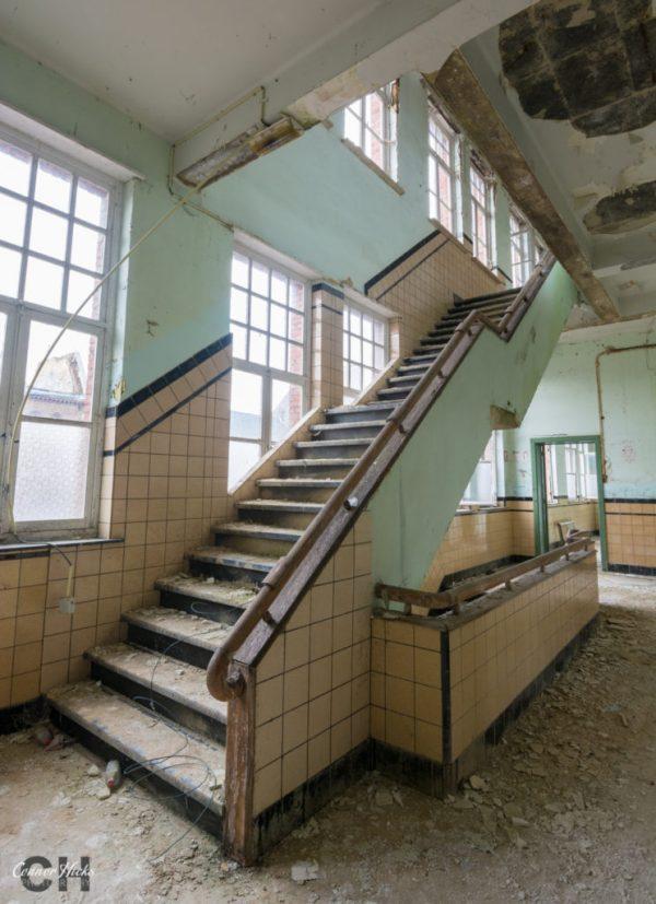 the-green-school-urbex-belgium-stairs