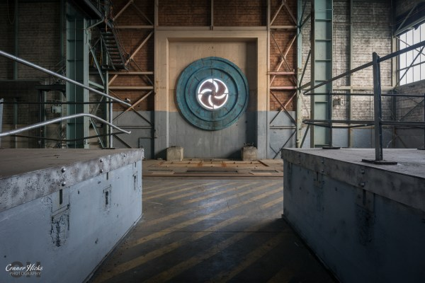 wind-tunnel-urbex-rae-bedford