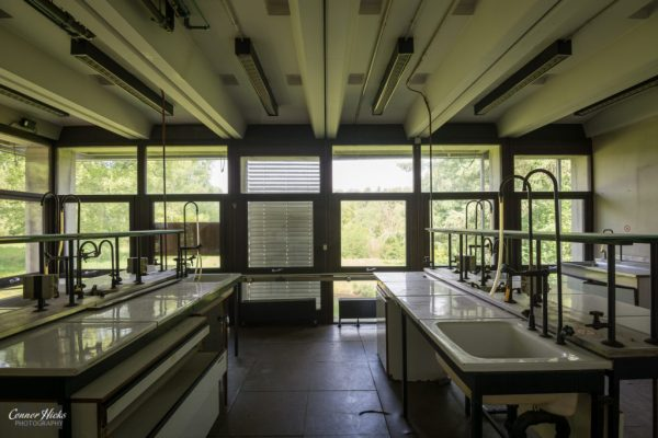 science labs urbex belgium