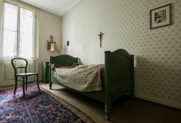 bedroom hunters hotel germany urbex