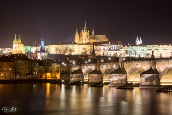 prague night photography castle charles bridge