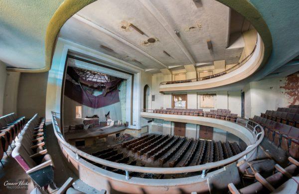 urbex italy theatre