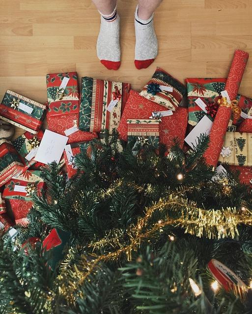 christmas-tree-1081826_640