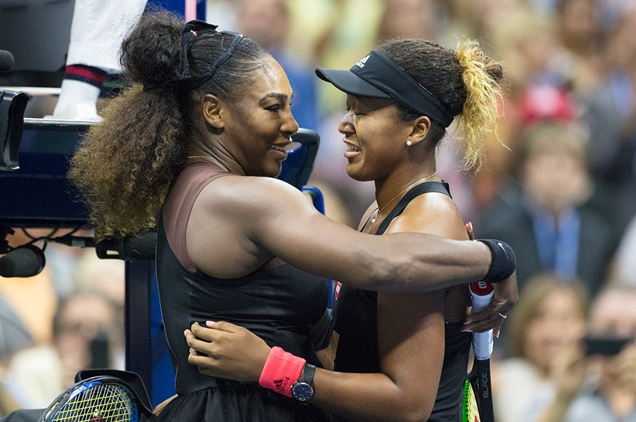 Serena Williams (izquierda) y Naomi Osaka (derecha)