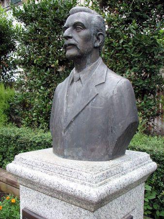Busto de Lafcadio Hearn