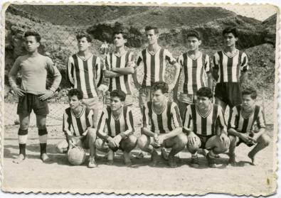 Puentillo Campo Isleta. Años 60. Juan Castro, Fernando, Antonio, Tomas, (-), Paco, Armandito, (-), Pucho, Ricardo, Silvestre