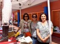 Las vendedoras de ConoceLaIsleta... Vicky, Rita e Isabel... 257 euros recaudados... alucinante verlas vendiendo... muchas gracias...
