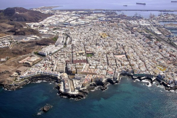 Foto aérea de La Isleta. Fuente; http://lpaec.blogspot.com.es/2014/11/vibraciones-contexto-y-complejidad-pfc.html