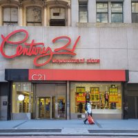 Century 21 se declara en bancarota y cerrará todas sus tiendas