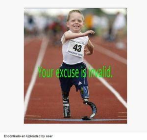 Niño feliz corriendo