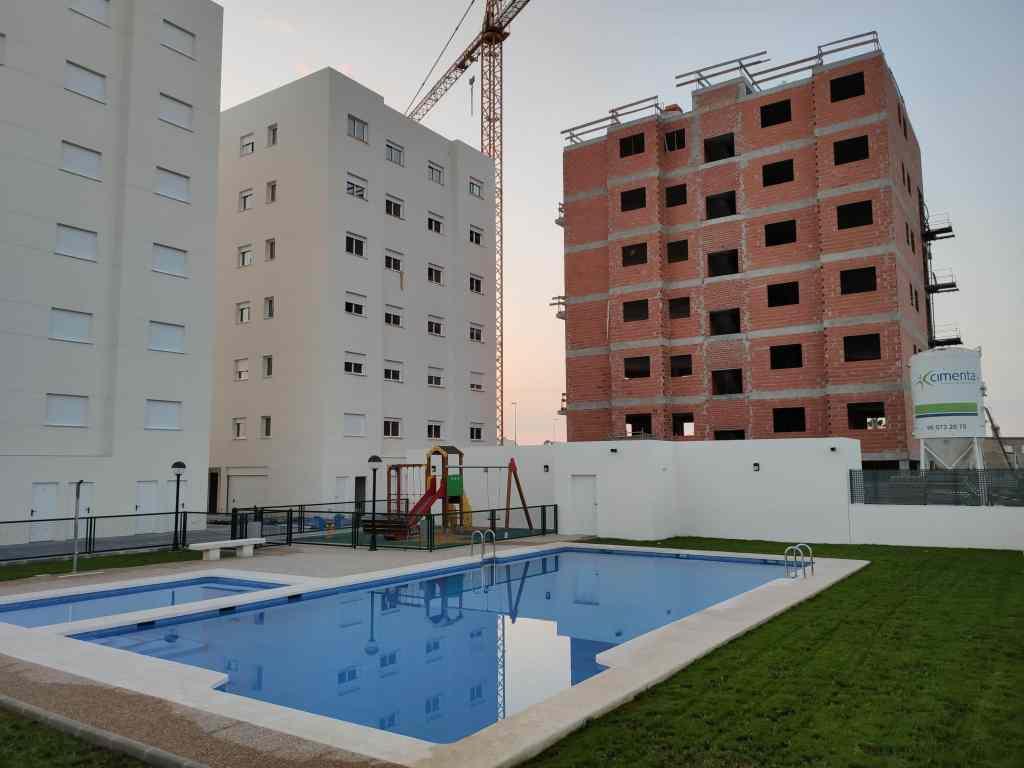 Zona piscina Residencial Xaloc