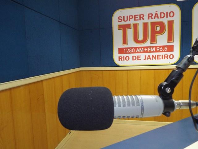 Livro foto Radio Tupi_microfone