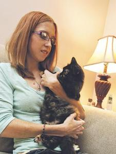 Prudence the cat helps woman with chemotherapy