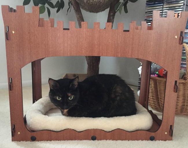 castle-cat-bed