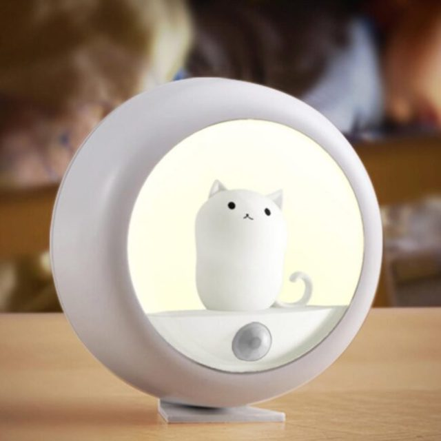 limited-edition-cat-night-light-motion-sensor-cat-night-light