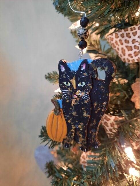 halloween-tortie-ornament